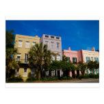 Fila Charleston, SC del arco iris Tarjetas Postales