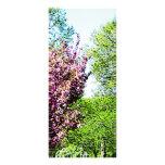 Fila de árboles florecientes lona personalizada