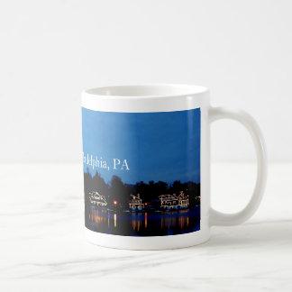 Fila de la casa barco, Phila, PA Tazas De Café