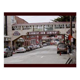 Fila de la fábrica de conservas postales