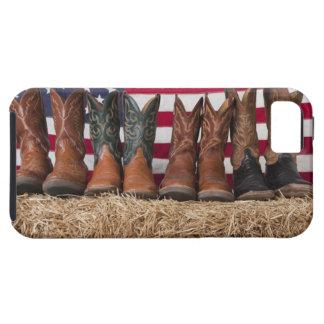 Fila de las botas de vaquero en haystack iPhone 5 carcasas