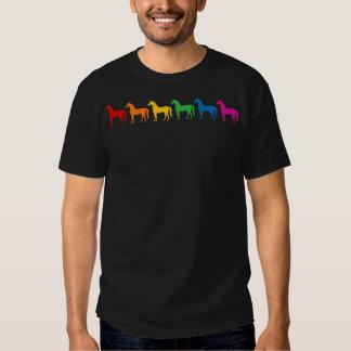 Fila de los caballos del color del arco iris poleras