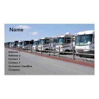fila de nuevos vehículos recreativos tarjeta de visita