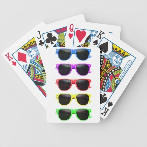 Fila de vidrios coloreados enrrollados baraja de cartas