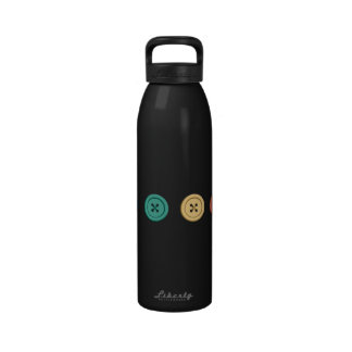 Fila del arco iris de botones botellas de beber