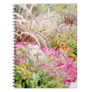 Fila del cuaderno de las flores