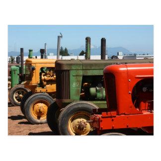 Fila del tractor tarjetas postales