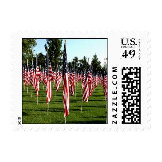 Filas de banderas americanas 9/11 monumento - envio