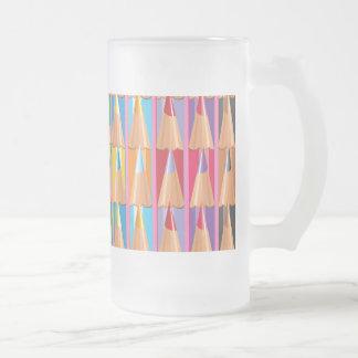 Filas de lápices coloreados taza cristal mate