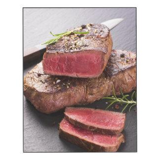 Filete de carne de vaca impresión en madera