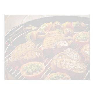Filetes asados a la parrilla deliciosos del T-hues Plantilla De Membrete