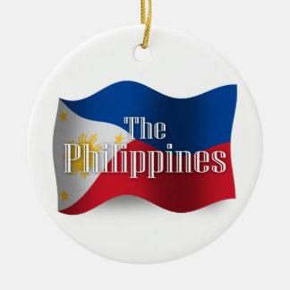 Filipinas que agitan la bandera ornamente de reyes