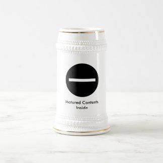 filtro contento maduro, contenido madurado dentro tazas