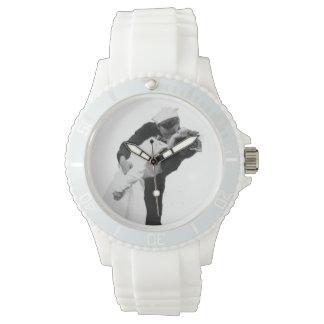 Final del beso de la guerra relojes de pulsera
