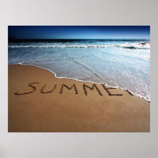 Finales de la impresión del poster del verano