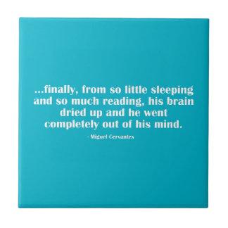 Finalmente, de tan poco que duerme… azulejo