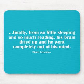 Finalmente, de tan poco que duerme… alfombrillas de ratones