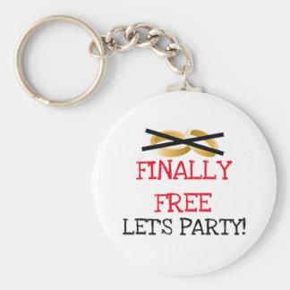 Finalmente libre vayamos de fiesta llaveros