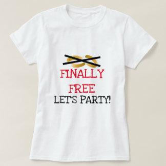 Finalmente libre vayamos de fiesta playeras
