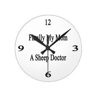 Finalmente mi mamá es doctor de las ovejas reloj