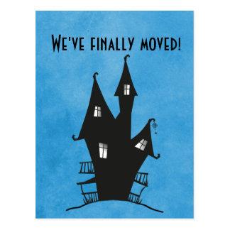 ¡Finalmente nos hemos movido! Casa frecuentada Postales