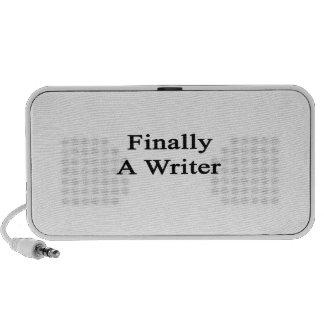 Finalmente un escritor laptop altavoces