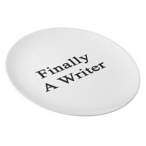 Finalmente un escritor plato para fiesta