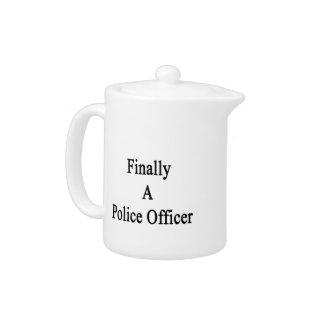 Finalmente un oficial de policía