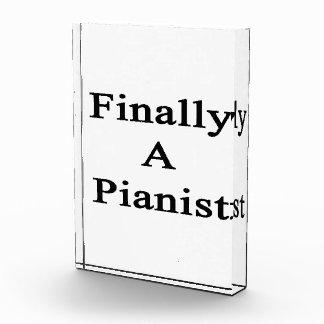 Finalmente un pianista