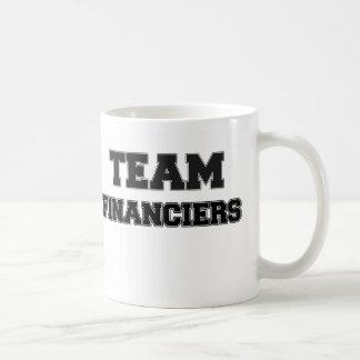 Financieros del equipo taza
