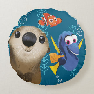 Finding Dory   Nemo, Dory & Otter Round Pillow