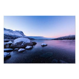Fiordo de Narvik en la impresión de la foto del
