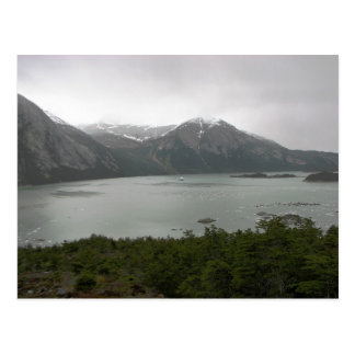 Fiordo del Pia, Chile, con la yegua australis en Postal