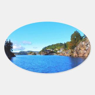 Fiordos noruegos calcomania de óval personalizadas
