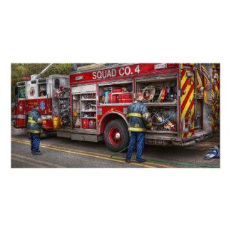 Firemen - The modern fire truck Card