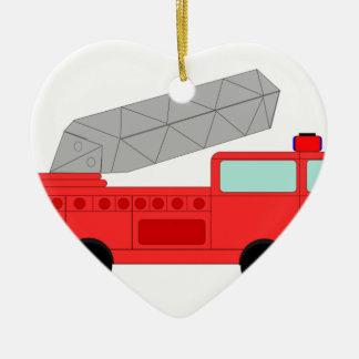 Firetruck rojo lindo adorno de cerámica en forma de corazón