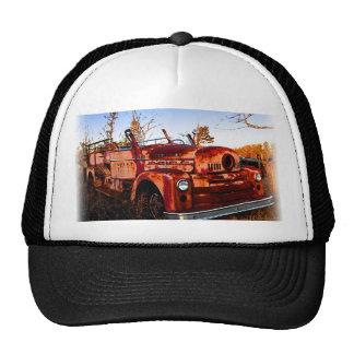 Firetruck rústico del Junkyard Gorra