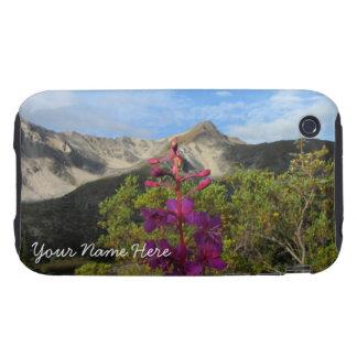 Fireweed en las montañas de Pelly; Personalizable Carcasa Resistente Para iPhone