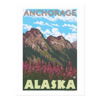 Fireweed y montañas - Anchorage, Alaska Tarjetas Postales