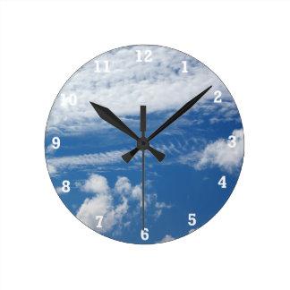 Fishbone Cloud Round Clock