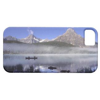 Fishermen in canoe on Waterfowl Lake, Banff iPhone SE/5/5s Case