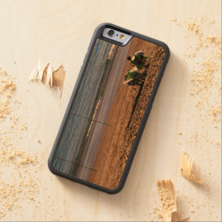 Fishermen in front of the sea carved cherry iPhone 6 bumper case