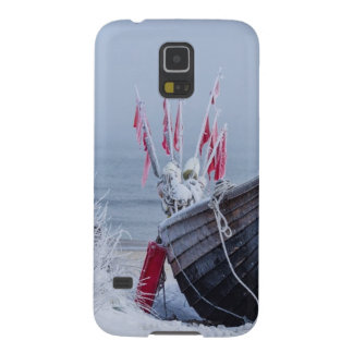 Fishing boat on shore of the Baltic Sea in winter Galaxy S5 Cover