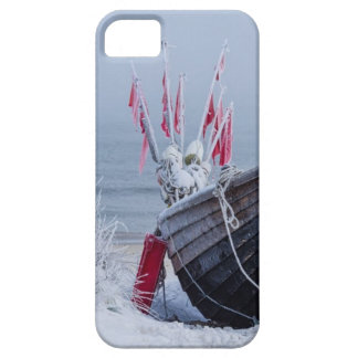 Fishing boat on shore of the Baltic Sea in winter iPhone SE/5/5s Case