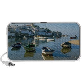 Fishing Village of Ferragudo, Algarve, Portugal Travel Speaker