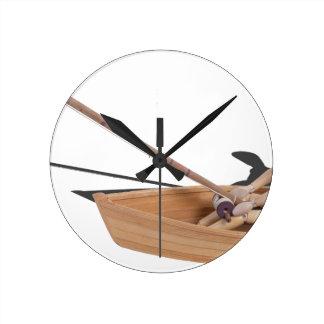 FishingWoodenBoatRodReel050314.png Reloj Redondo Mediano