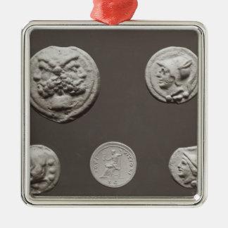 Five coins metal ornament