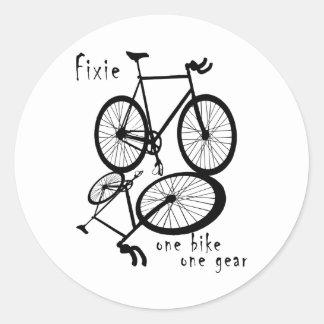 Fixie - one bike one gear classic round sticker