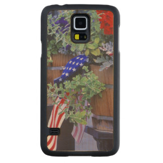 Flags and Flowers in Philipsburg Montana Carved® Maple Galaxy S5 Slim Case