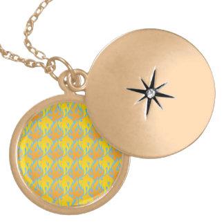 flame pattern 3 round locket necklace